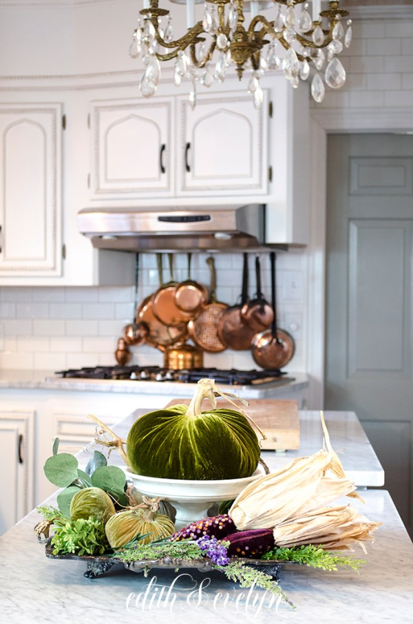 An Autumn Kitchen | Edith & Evelyn | www.edithandevelynvintage.com