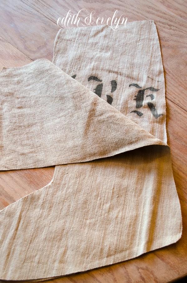 DIY Grain Sack Stocking | Edith & Evelyn | www. edithandevelynvintage.com