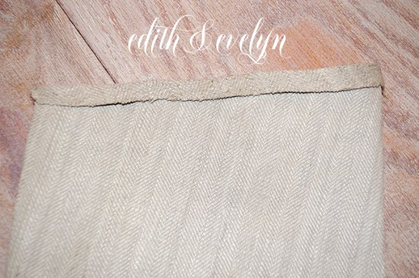 DIY Grain Sack Stocking   Edith & Evelyn   www. edithandevelynvintage.com