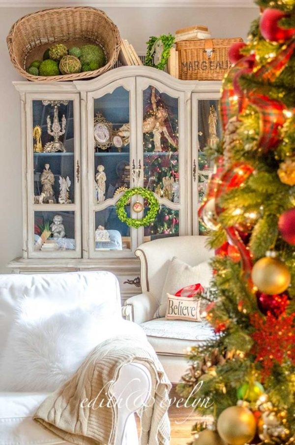 A Family Room Christmas | Edith & Evelyn | www.edithandevelynvintage.com
