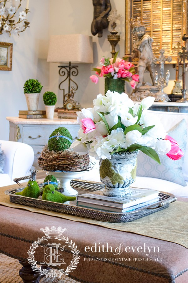 Spring Coffee Table Vignette | Edith & Evelyn | www.edithandevelynvintage.com