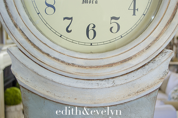 Mora Clock Transformation with Paint | Edith & Evelyn | www.edithandevelynvintage.com
