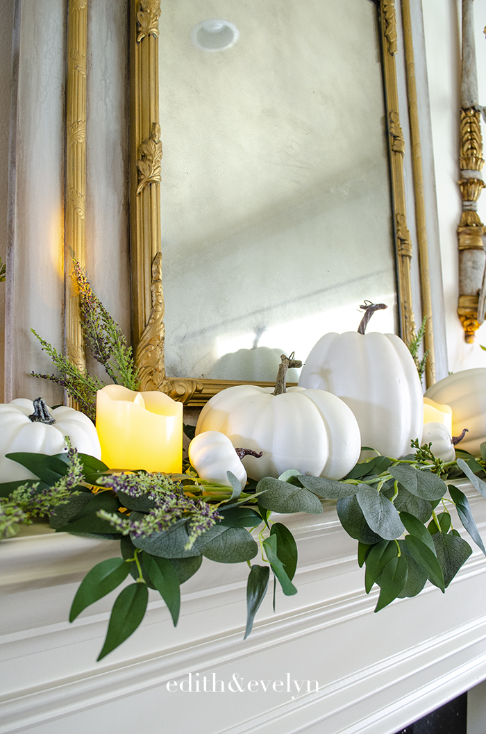 Simple Fall Decor | Edith & Evelyn | www.edithandevelynvintage.com