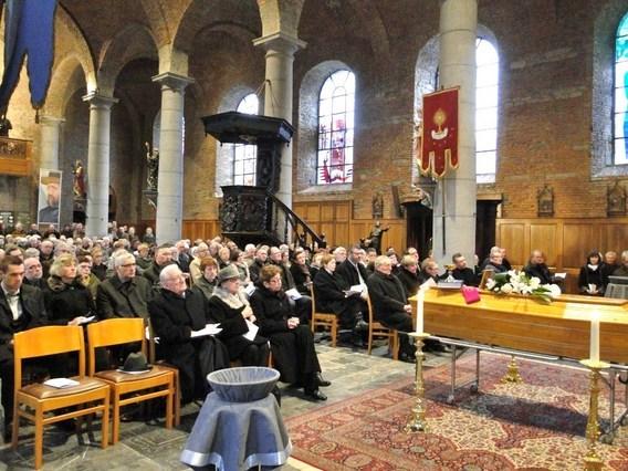 Editiepajot  HERNE  REGIO  Afscheid van priester Theo