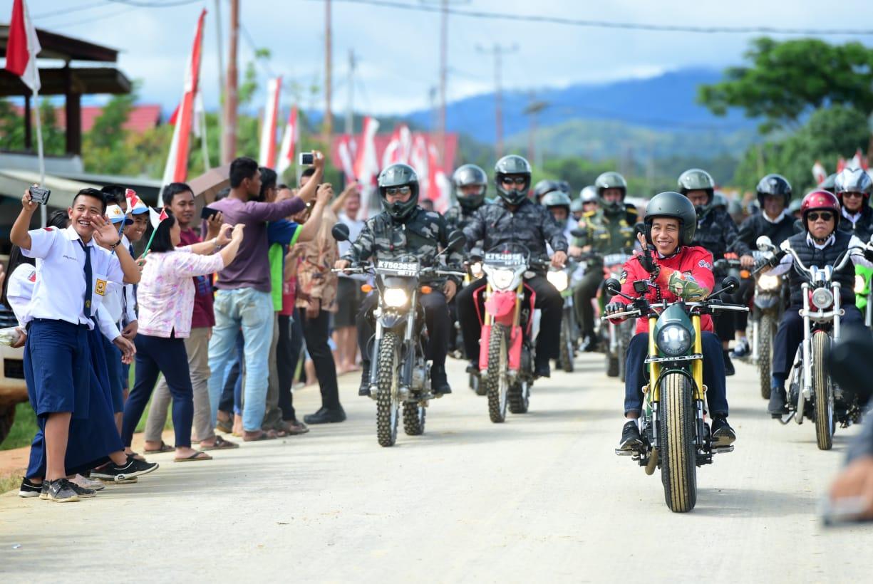 Jokowi, Jual Pesona Krayan Lewat Hobi Motor