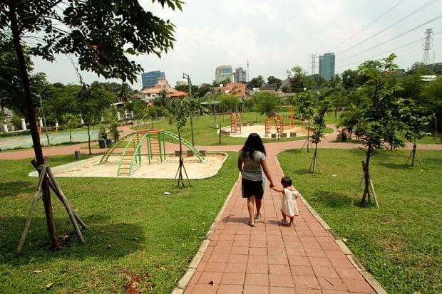 Ruang Hijau Warisan Ahok Dipakai Dagang Anak Buah Anies