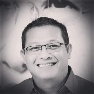 Sonny Tri Danaparamita Tinjau Perkembangan UMKM Batik Tulis Khas Bondowoso