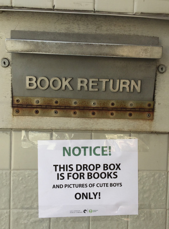 Man Confuses Readers By Leaving Hilarious Fake Signs At Library Book Drops  DesignTAXIcom
