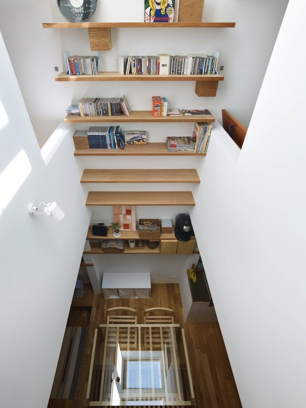 An Incredibly Narrow House Cleverly Designed To Look  Feel Much Bigger  DesignTAXIcom