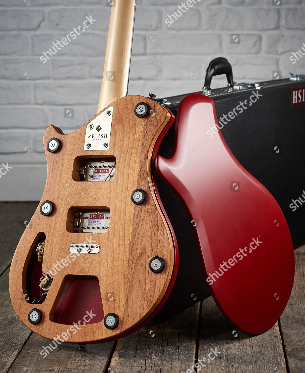 hight resolution of electric and acoustic guitars product shoot