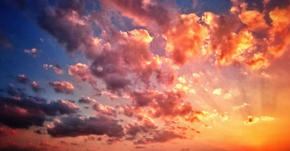 escribo entre nubes