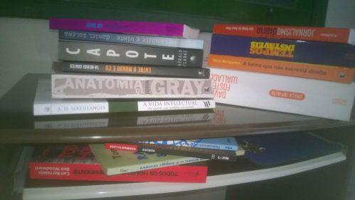 Onde guardar mais uma caixa com livros?