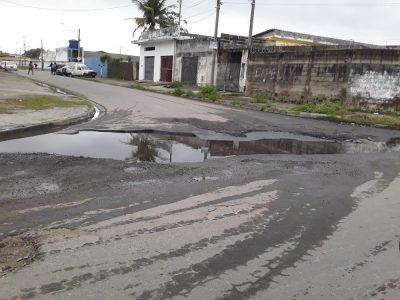 Vila Erminda e Recreio: Buracos tomam conta da Avenida Tota e da 17