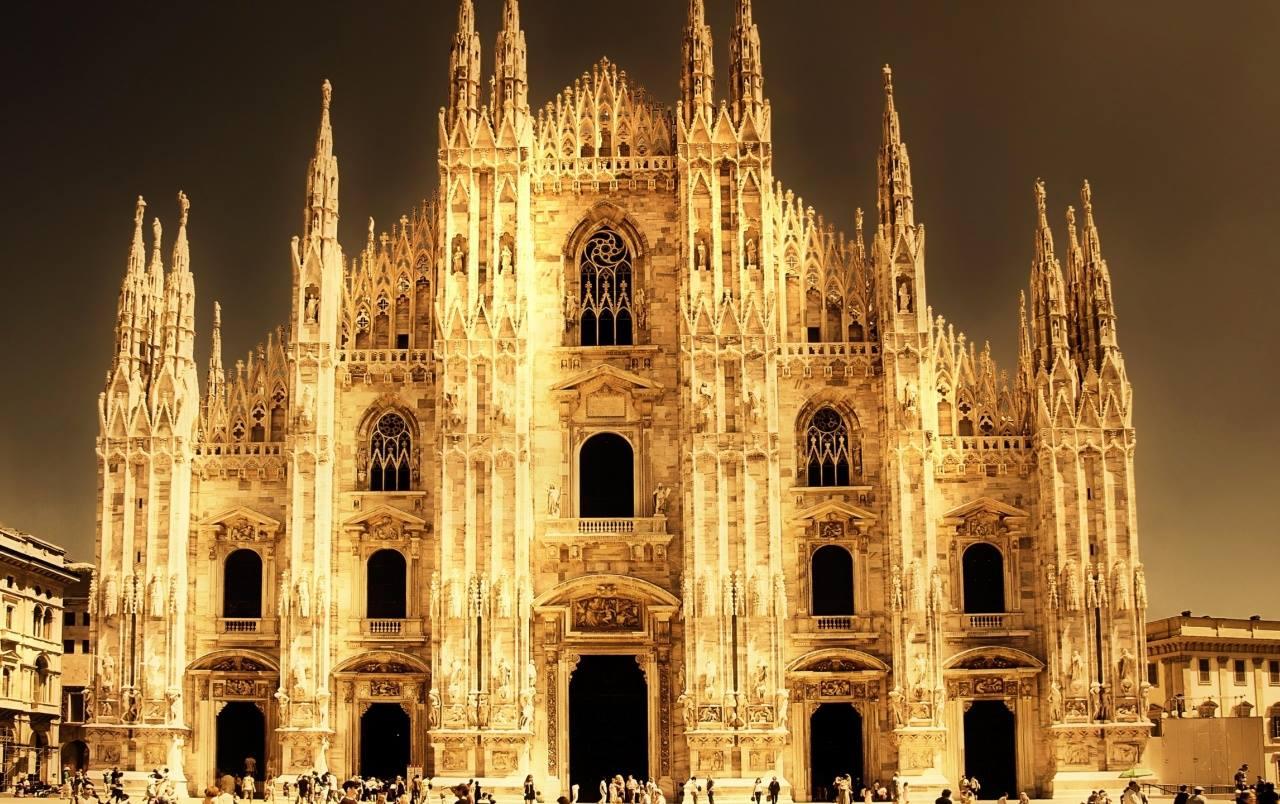 Las iglesias cristianas:  toda la luz, toda la oscuridad