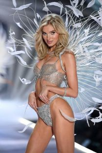 2018 Victoria's Secret Fashion Show 12