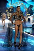 2018 Victoria's Secret Fashion Show 59