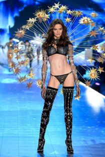 2018 Victoria's Secret Fashion Show 71