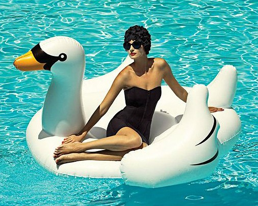 Inflatable-Swan-Pool-Float