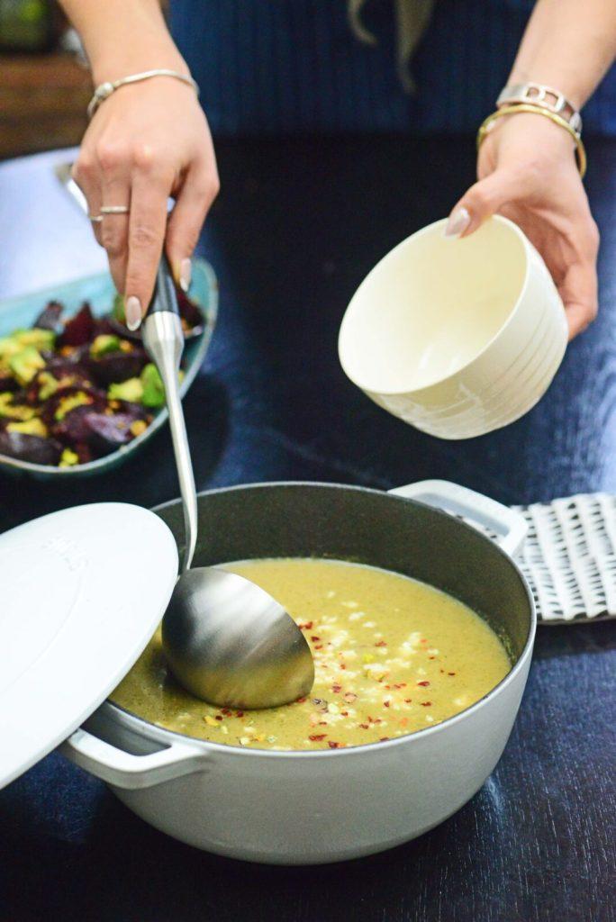 3 healthy pistachio recipes - vegan leek and broccoli soup with pistachio