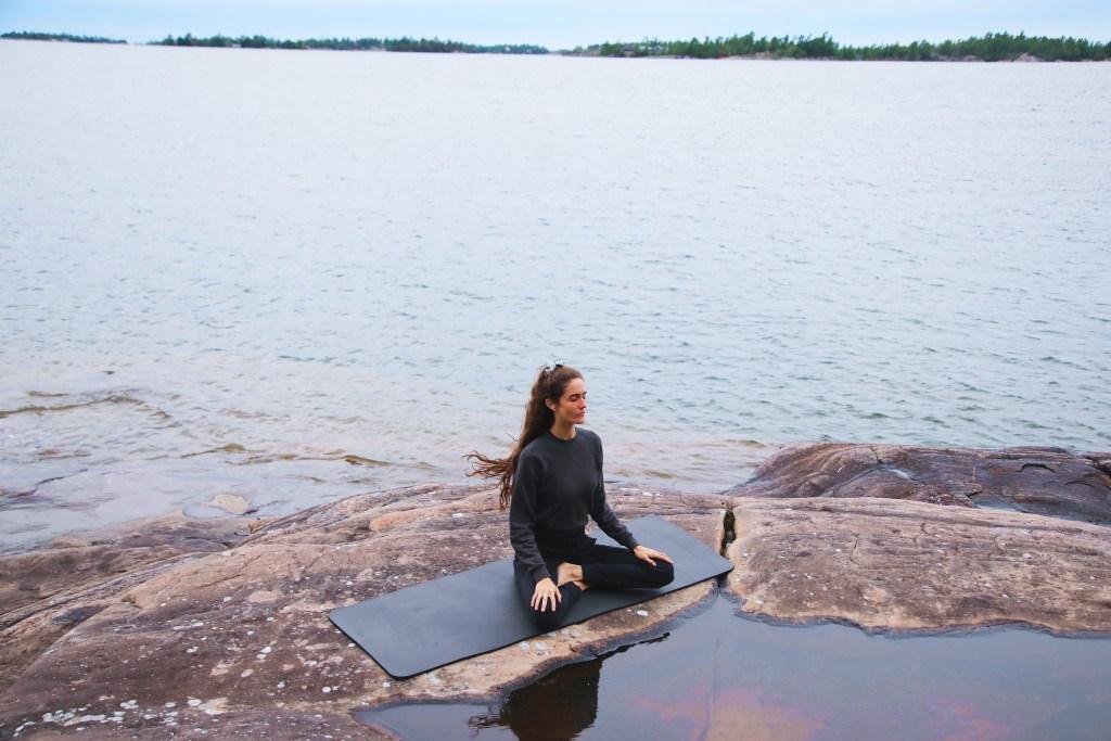Amanda Laine by the lake