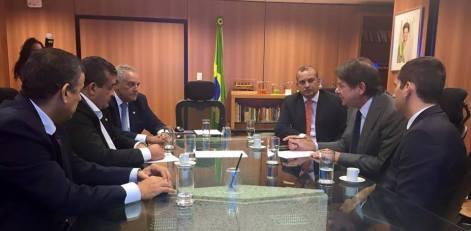 Givaldo Carimbão e Eurípes Junior visitam Cid Gomes