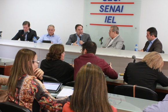 see 06-07-2015 - Reuniao com bancada federal - fotos Valdir Rocha -201- site