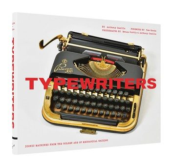 L'affascinante storia della macchina da scrivere rivive in questo splendido libro attraverso 80 pezzi che non potete nemmeno immaginare