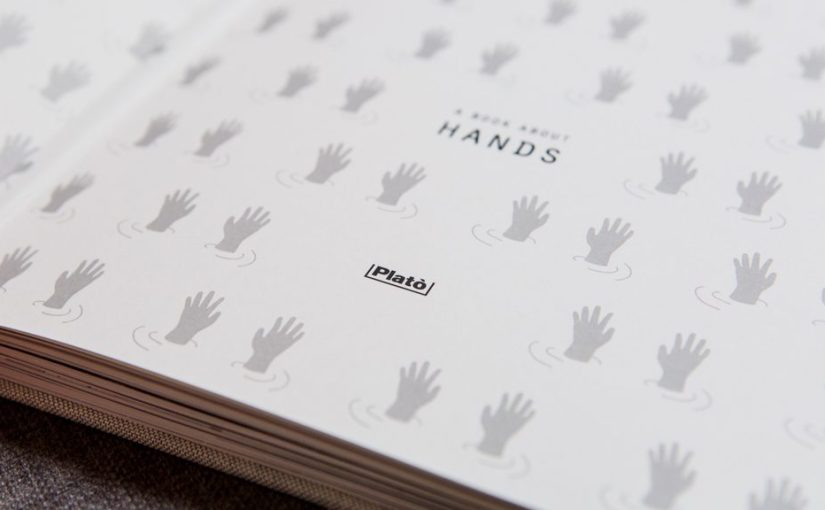 Un bellissimo progetto indipendente di un libro interamente dedicato alle mani