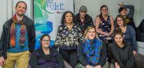 Isabelle Lacroix chercheure dans l'équipe Printemps (Paris) en lien avec l'équipe de la CREVAJ publie un rapport de recherche internationale sur l'engagement des jeunes placé.e.s en France et au Québec dans les groupes d'entraide.