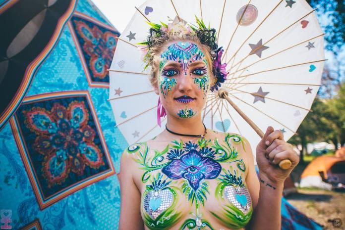 Desert Hearts Festival Fashion: Glitter
