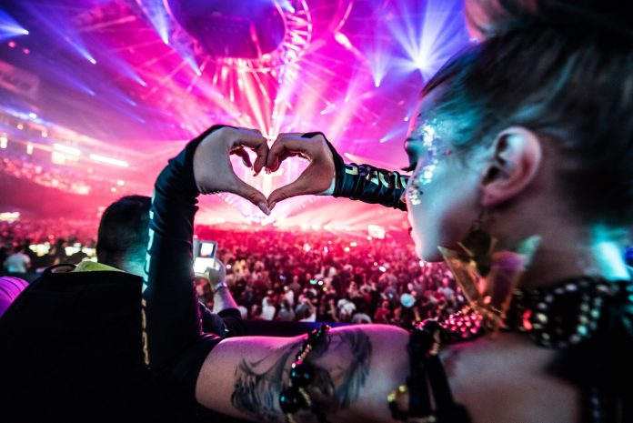 Transmission Prague 2017 Hand Heart