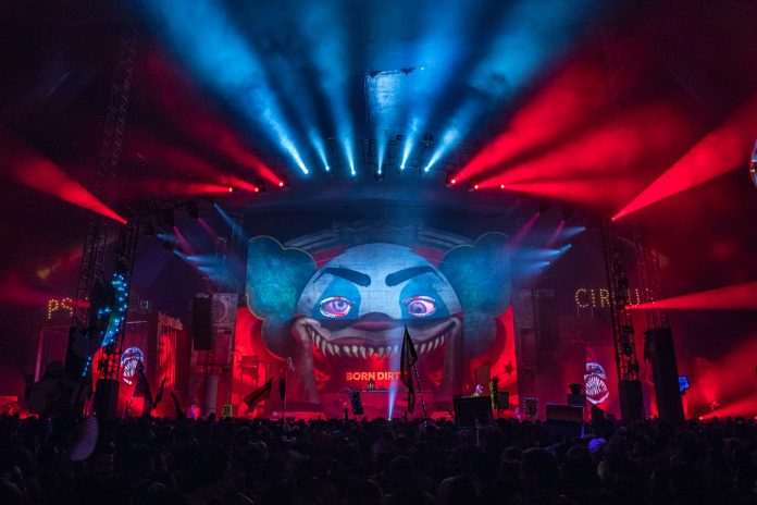 Escape: Psycho Circus 2018 Born Dirty