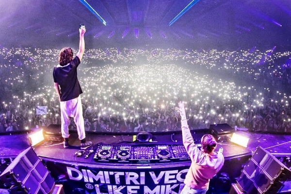 dimitri vegas like mike bringing the madness reflections liveset