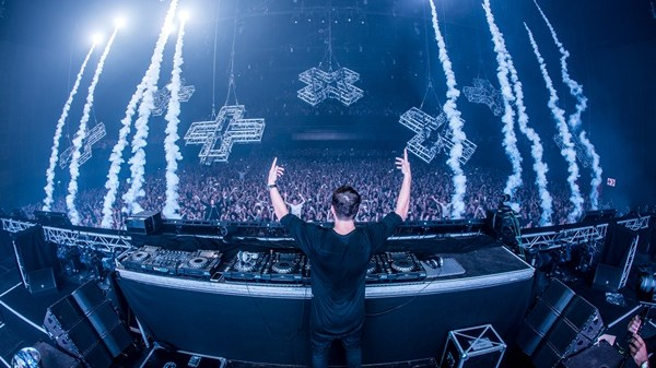 Martin Garrix Live @The Ether Photo by Louis van Baar