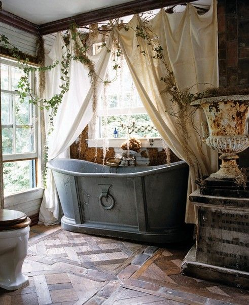 Shabby Chic French Tub
