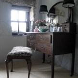 Dressing table completes a bedroom at Ednovean Farm