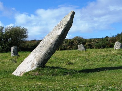 The central stone thought to be the male stone is aligned to the rising sun at the summer solstice