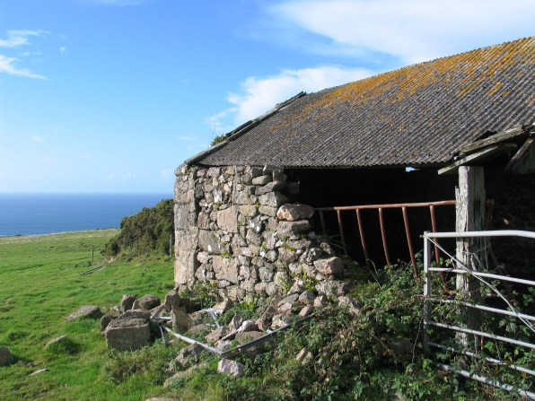 Semi derelict cattle barn at Botallack