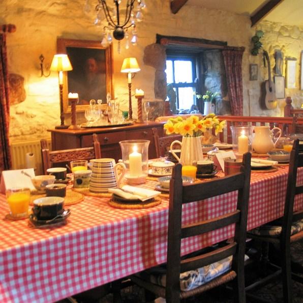 Farmhouse table at Ednovean Farm