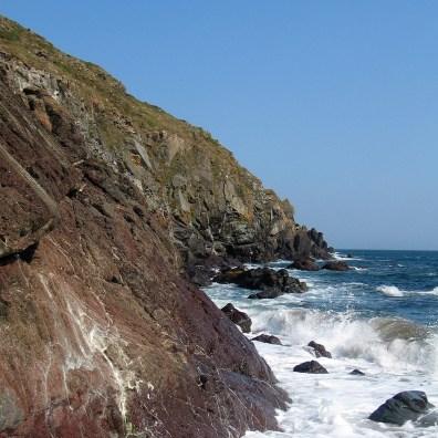 The rugged cliffs that flank Kennack Sands