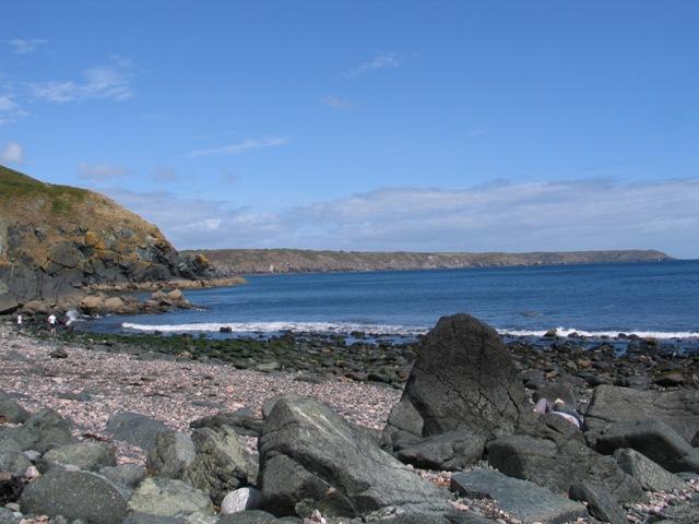 rocky cornish cove - poltesco carleon