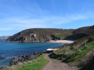 Walk to isolated hidden beaches in Corwnall