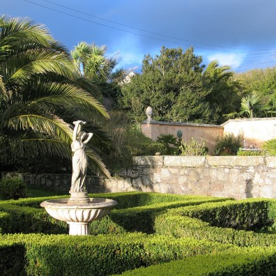 The Parterre is well established now around the fountain