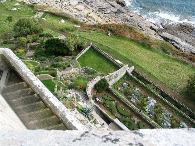 I took advantage of our visit to the castle to look down over the gardens