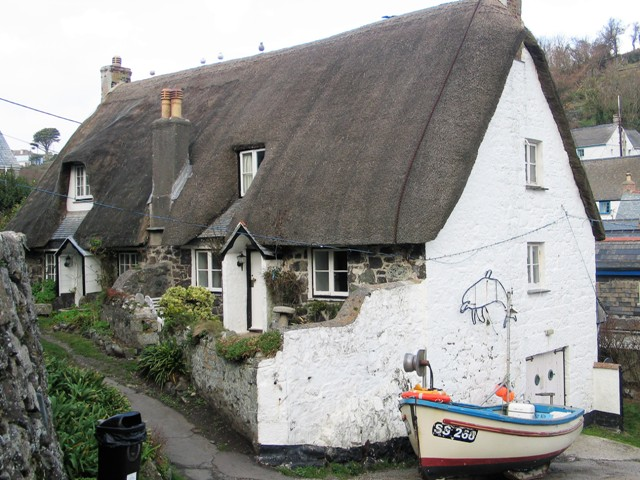 Thatched cottage and fishing boat - Cadgwith