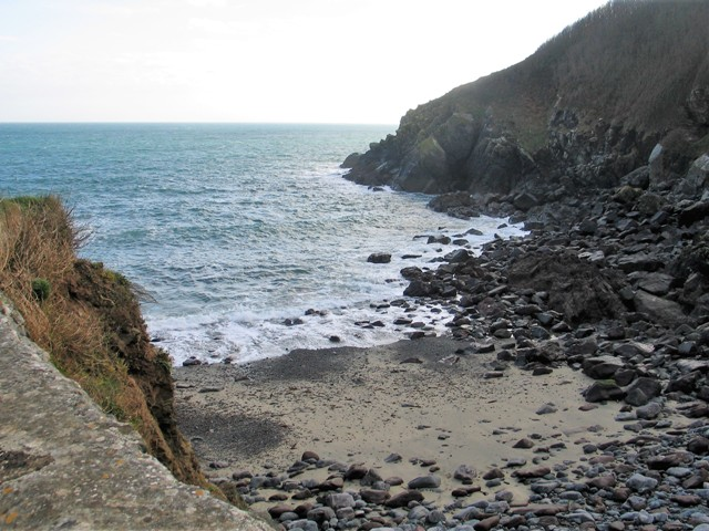 Small sandy cove beside the Todden - Cadgwith