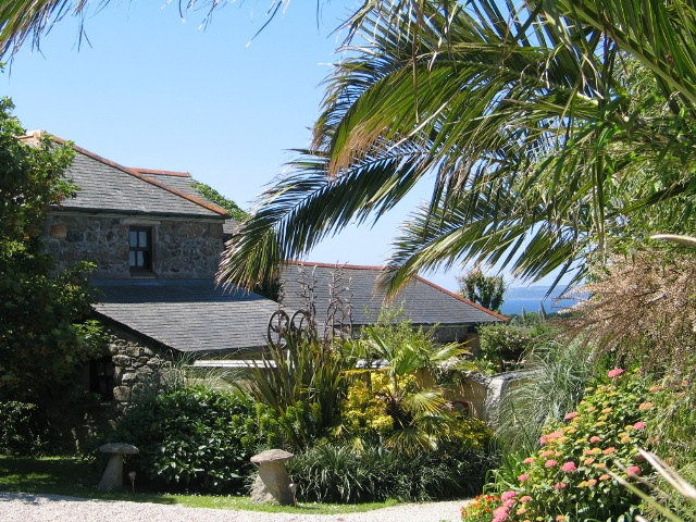 Granite farmhouse subtropical garden sea view