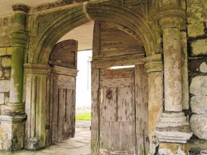 Godolphin House entrance - Old wood arched doorway