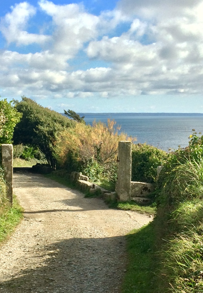 A footpath on the Porth en Alls estate - direction to Pixies Cove
