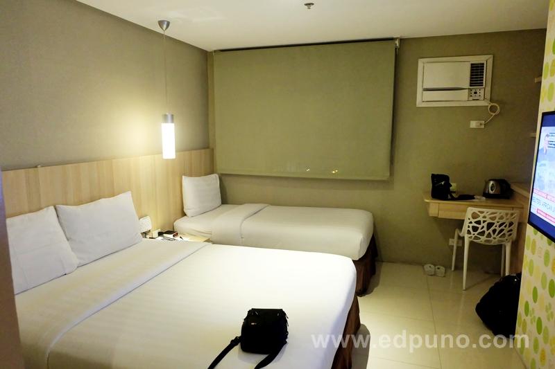 Room for three at Injap